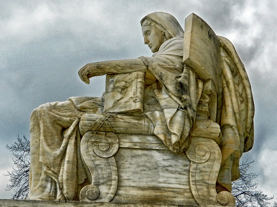 contemplation-of-justice-166710_960_720